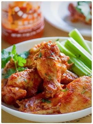 Healthy Sriracha Chicken Buffalo Wings