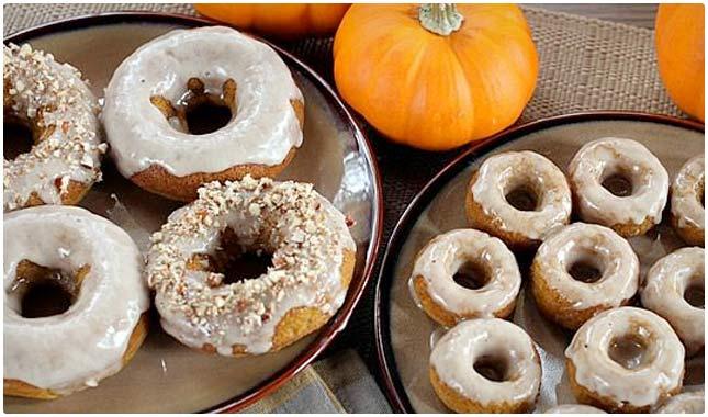 baked maple pumpkin doughnuts