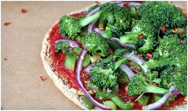 mini veggie pizza