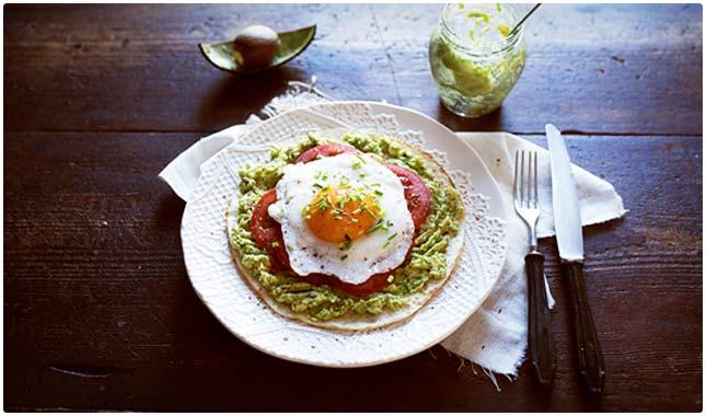 pita with avocado