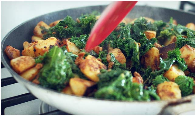 kale and soy chorizo hash