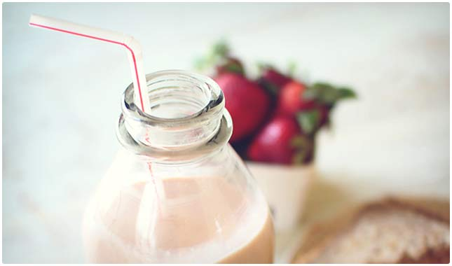 peanut butter and jelly protein shake