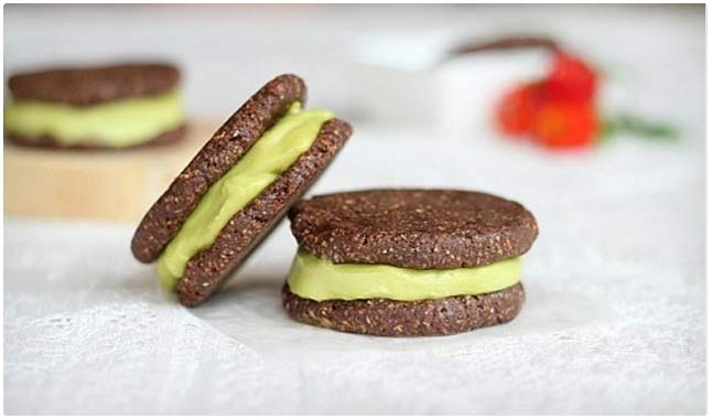 raw ice cream sandwiches