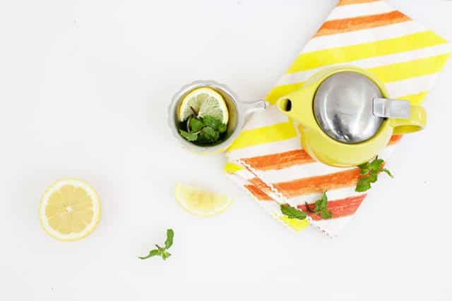 lemon and mint tea for stomach aches