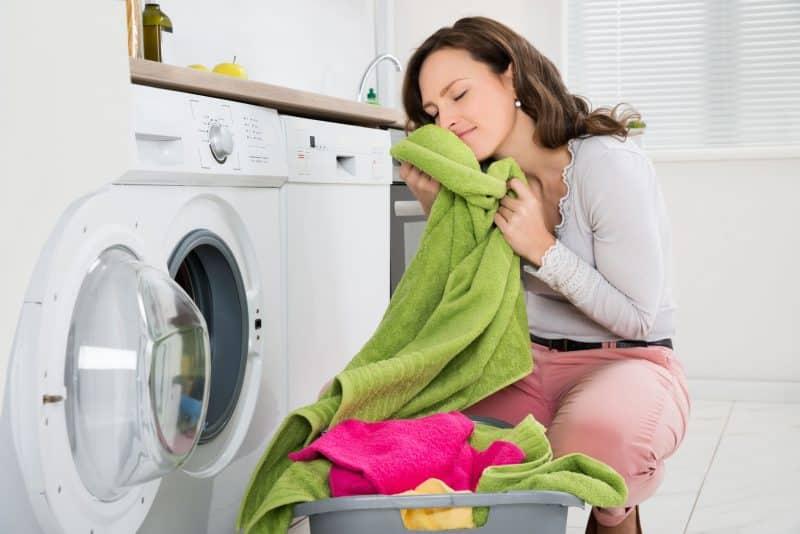 freshens laundry