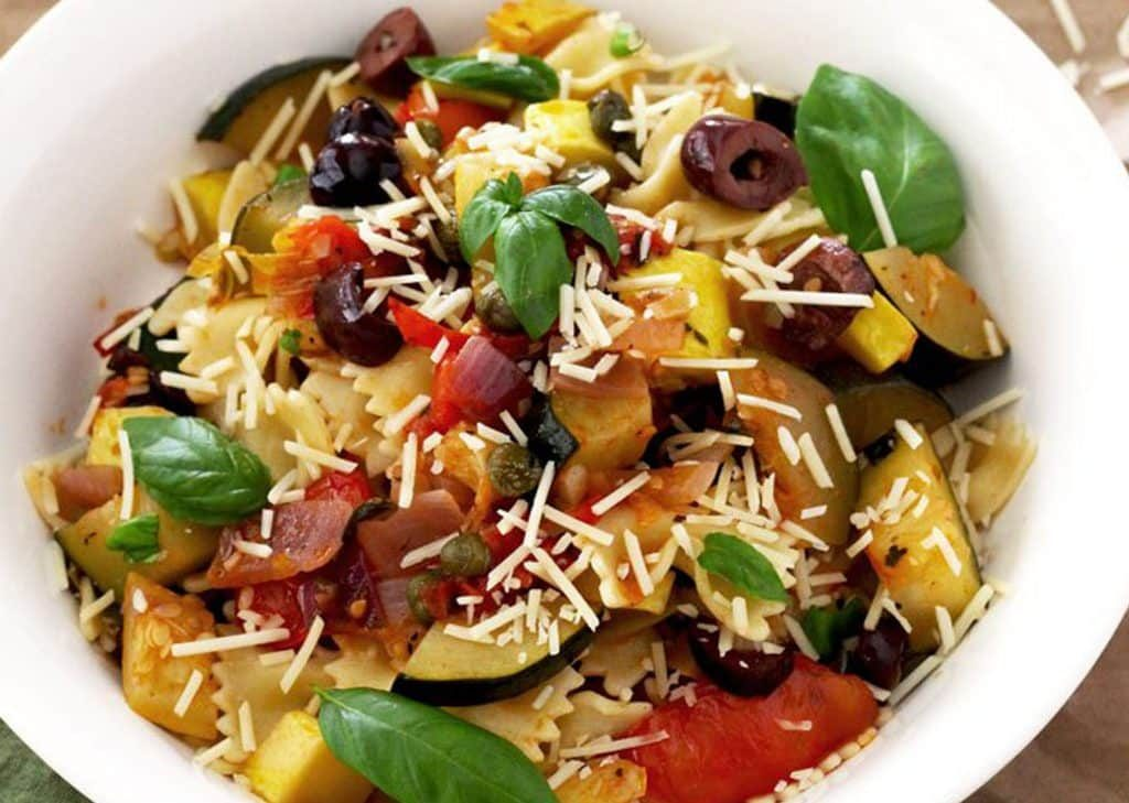 Pasta with summer veg