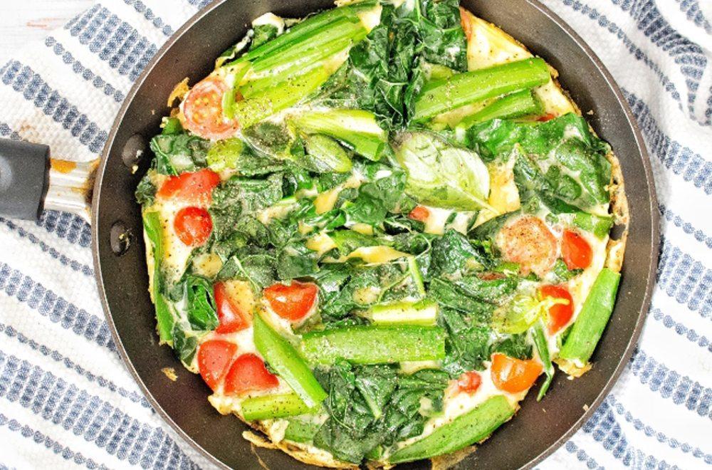 Lemony pepper kale omelet