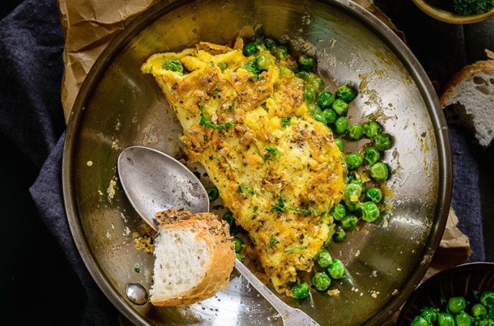Peas and parsley omelet