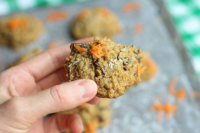 nut carrot raisin cookies