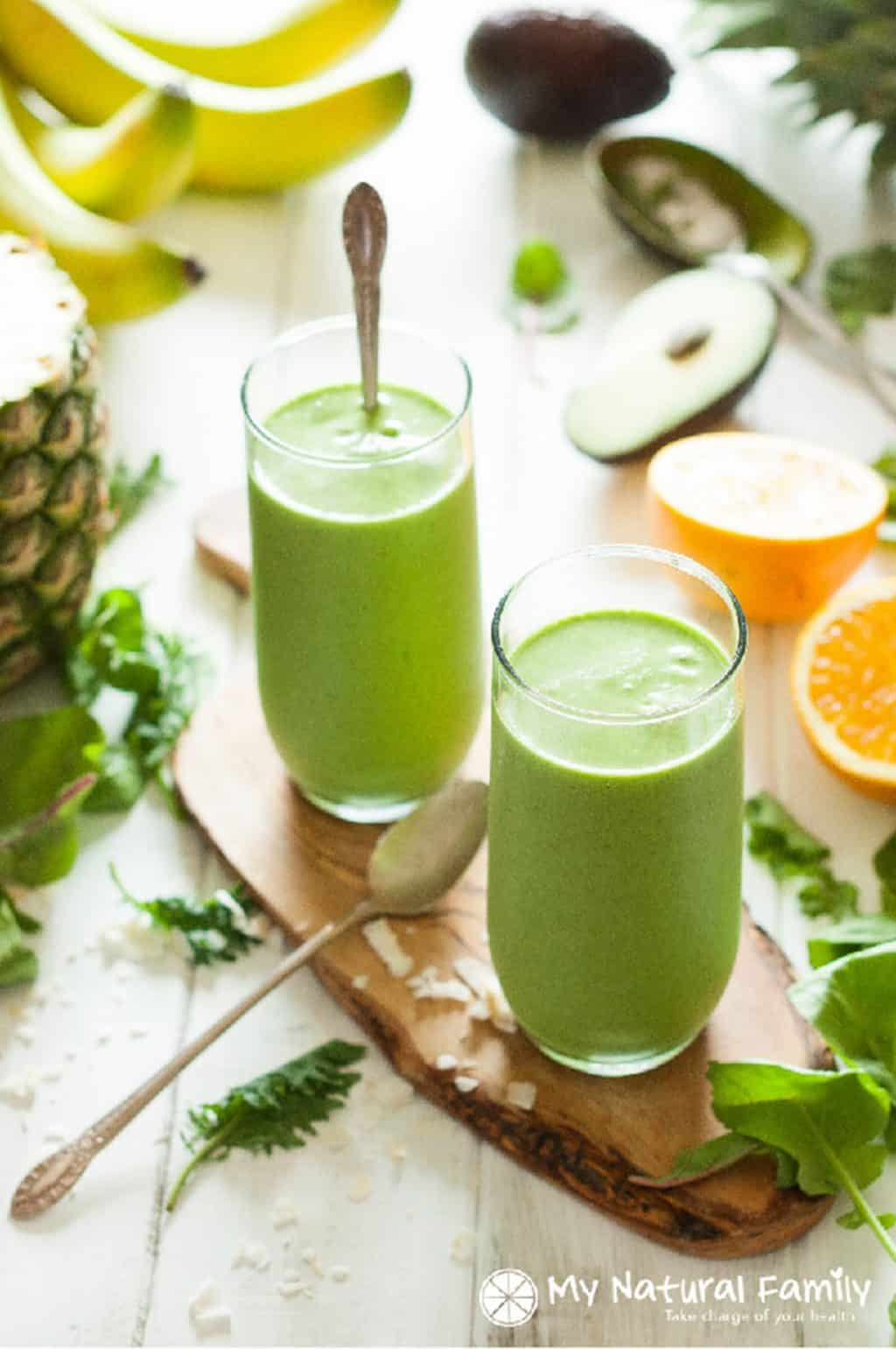 Coconut-Milk-Tropical-Green-Smoothie