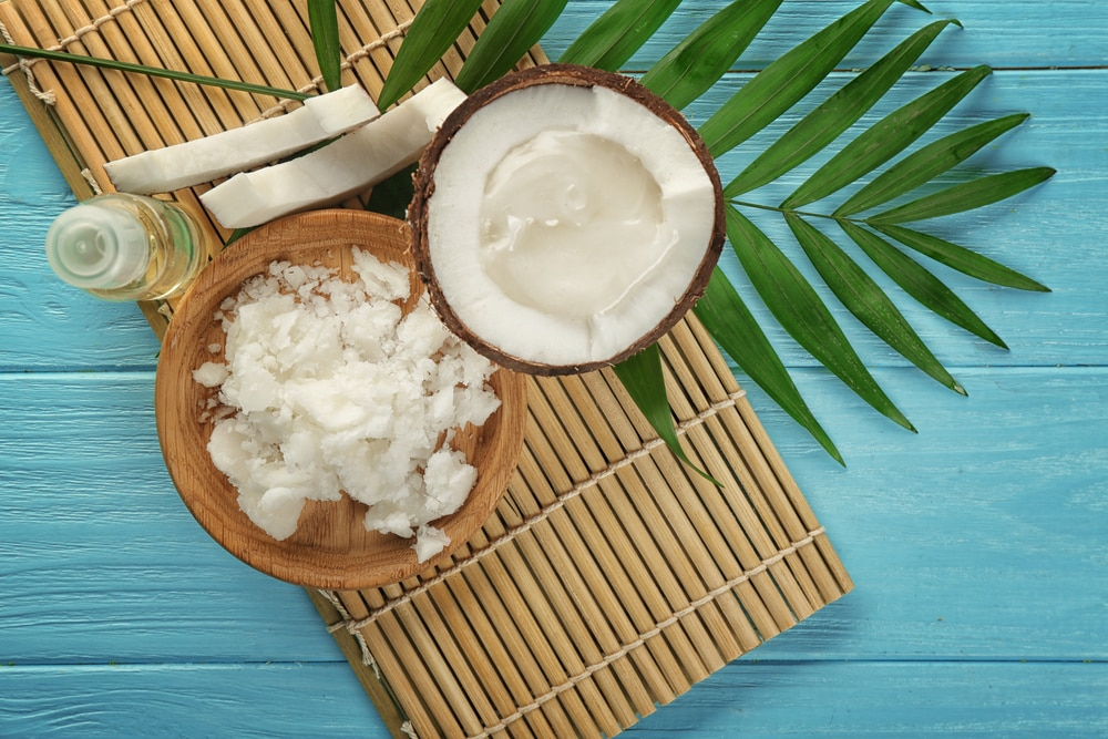 treat split eands coconut oil for hair